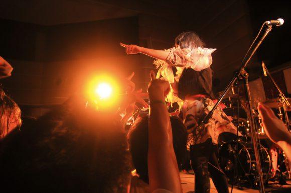 大森靖子&THEピンクトカレフ(photo:藤野万李子)